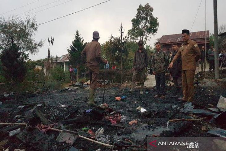 Pemkab Aceh Tengah salurkan bantuan korban kebakaran