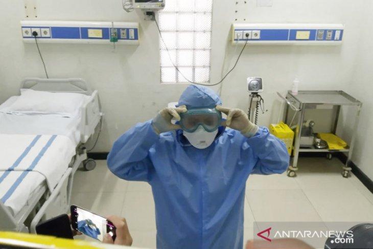 Bupati Bogor menyiagakan empat dokter khusus corona di tiap RSUD
