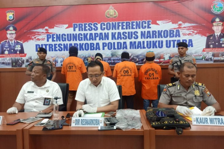 Polda Malut tangkap empat tersangka narkoba
