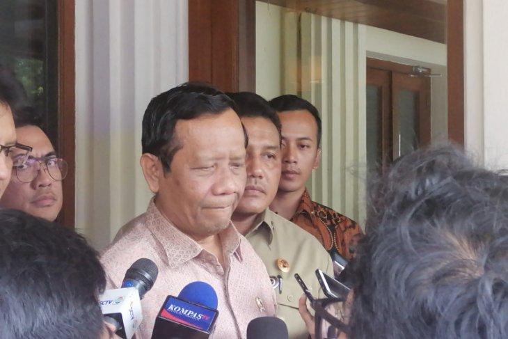 Indonesian police to act against coronavirus profiteers: minister