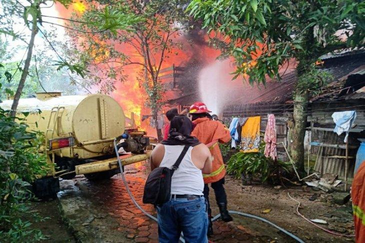 6 rumah di Sibolga terbakar, polisi selidiki penyebabnya
