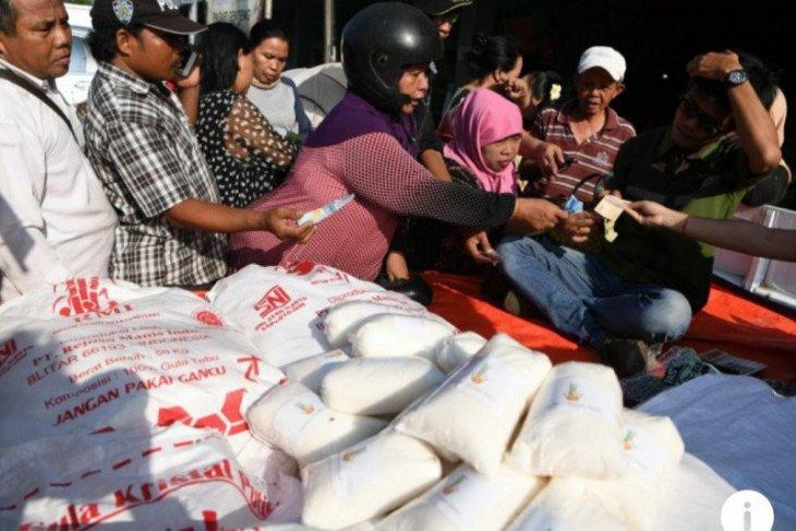 Bulog Madiun gelar operasi pasar gula pasir