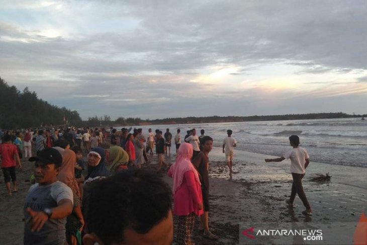 Pelajar SMA tenggelam di Pantai Bengkulu Tengah
