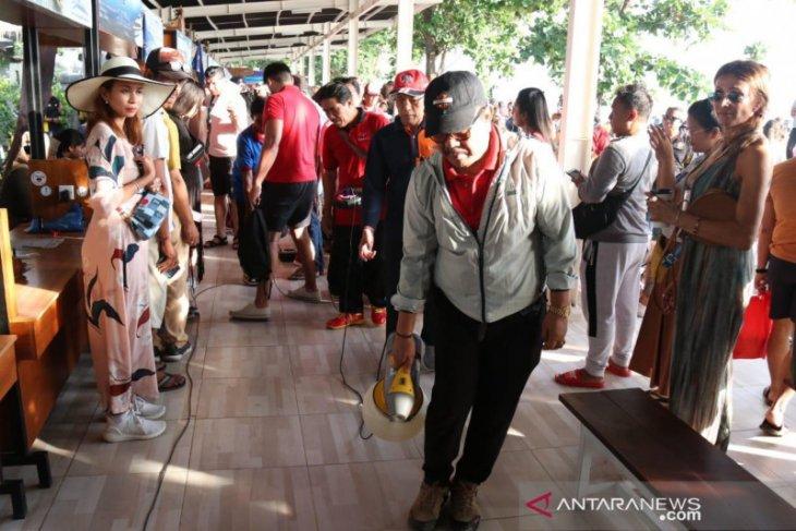 Wagub Bali pimpin penyemprotan disinfektan cegah Corona (COVID-19)