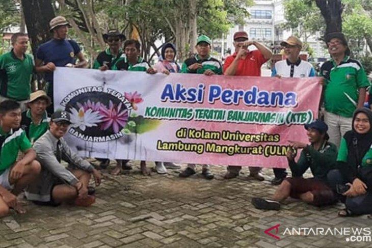 Banjarmasin Lotus Community conduct first mass planting