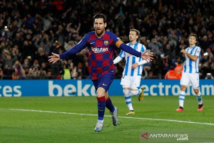 Messi antar Barcelona kembali ke puncak