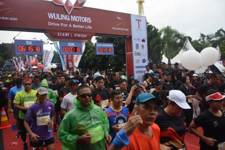 Some 2,800 runners join Volcano Run 2020 in Mt Merapi area, Sleman