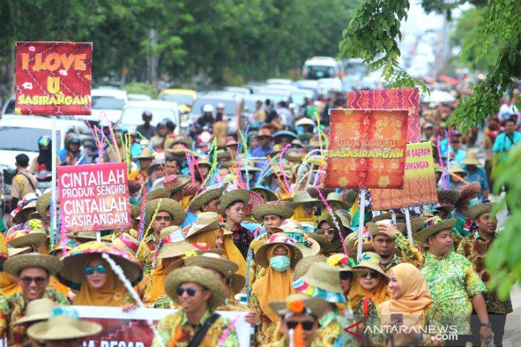 Parade Massal Basasirangan