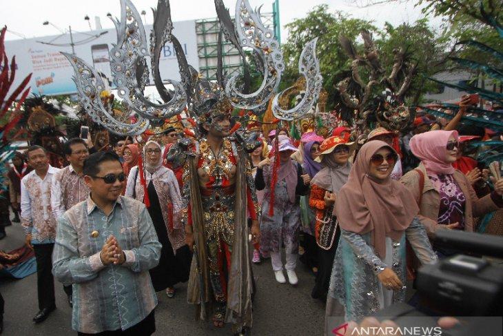 Wali Kota Banjarmasin Mengikuti Karnaval