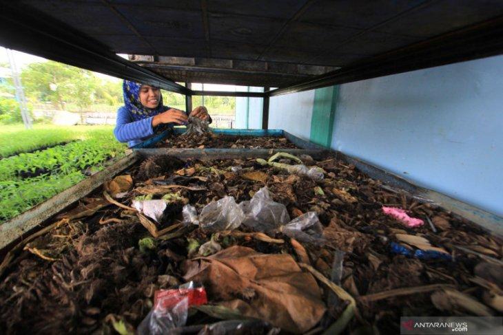 Bank Sampah Ambon Hijau beri layanan bayar pinjaman uang dengan sampah