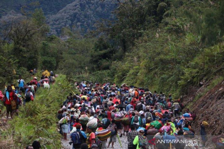 Ratusan warga Kimbeli tinggalkan kampung selamatkan diri dari kelompok bersenjata