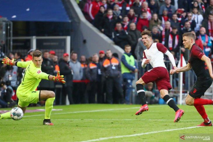 Pukul Augsburg, Bayern Munich kokoh di pucuk klasemen