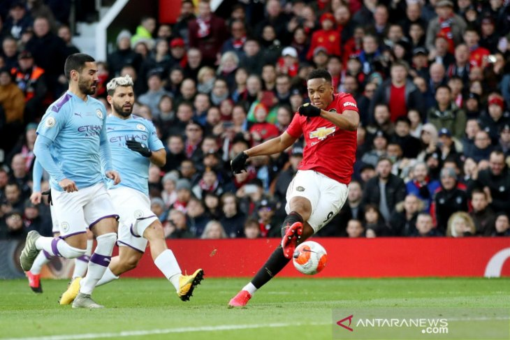 Blunder Ederson buat Manchester 'berwarna merah'