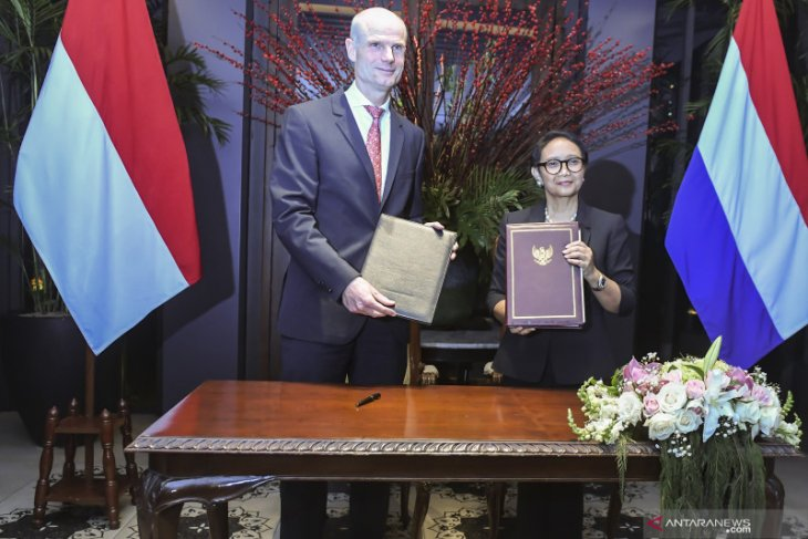 Indonesia, Dutch concur on promoting women's role in peace creation