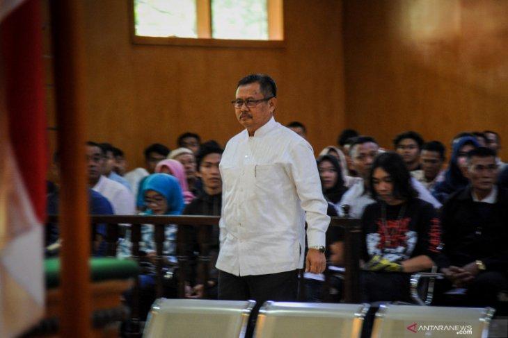Jual-beli proyek, Bupati Indramayu nonaktif Supendi divonis 4,5 tahun penjara
