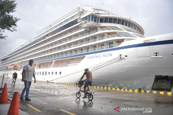Viking Sun's 375 passengers leave Bali before sailing to Colombo