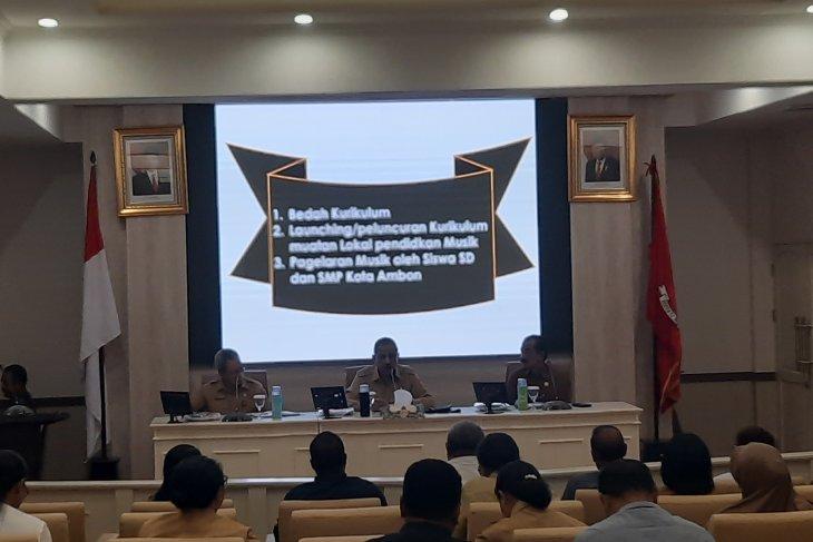 Disdik Ambon distribusi alat musik implementasi kurikulum Mulok lestarikan kebudayaan