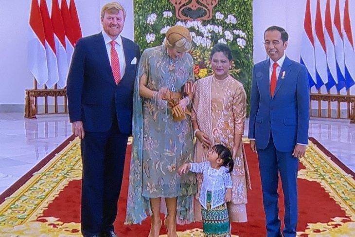 Presiden Jokowi ajak sang cucu sambut Raja dan Ratu Belanda