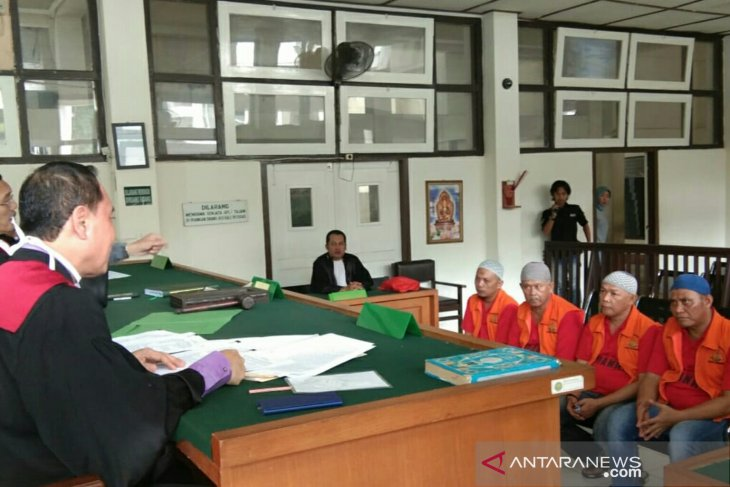 Four drug dealers, couriers in Palembang to serve 13-year imprisonment