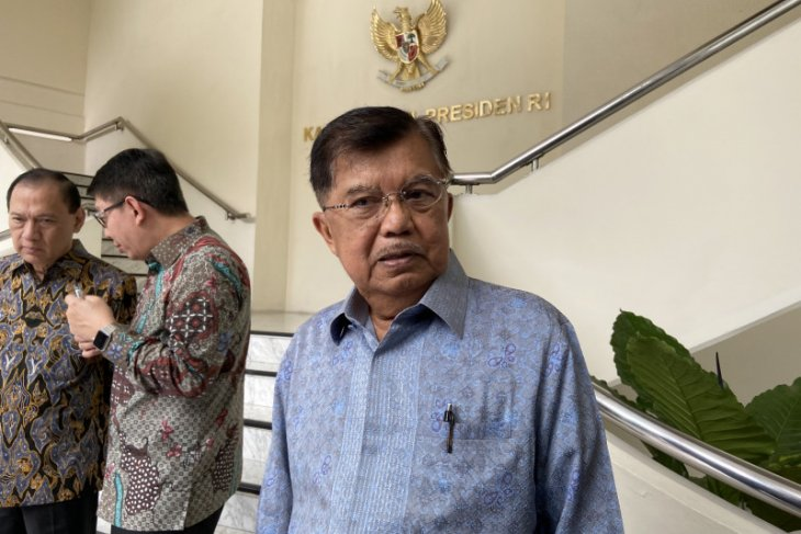Kalla likens COVID-19 to an unseen enemy
