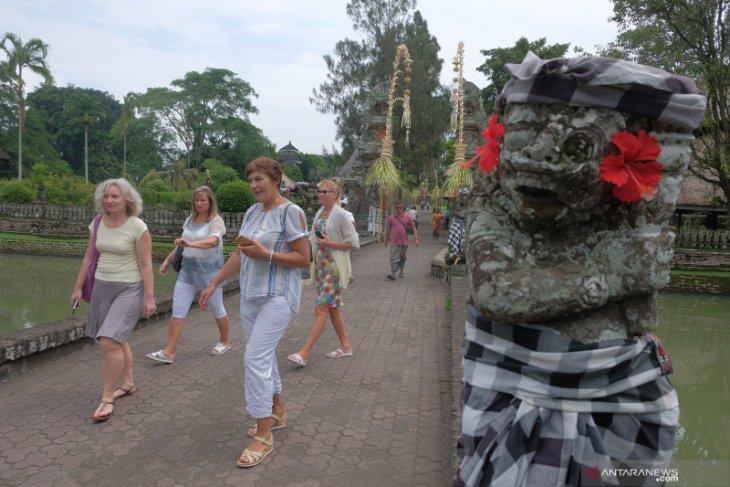 Jumlah kunjungan wisatawan mancanegara April 2020 turun tajam
