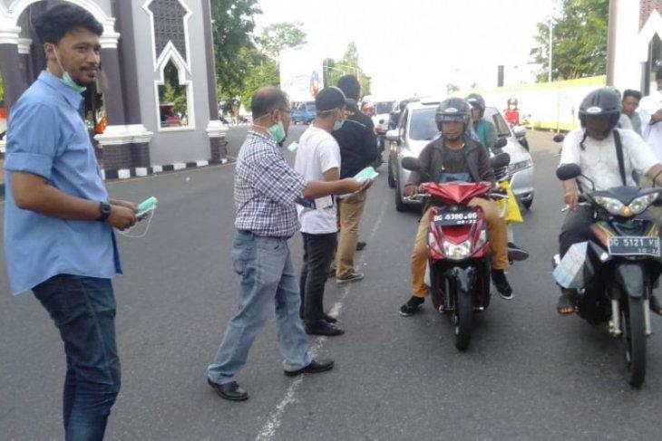 wartawan di Malut - PT. Harita Nickel  bagikan masker gratis antisipasi corona