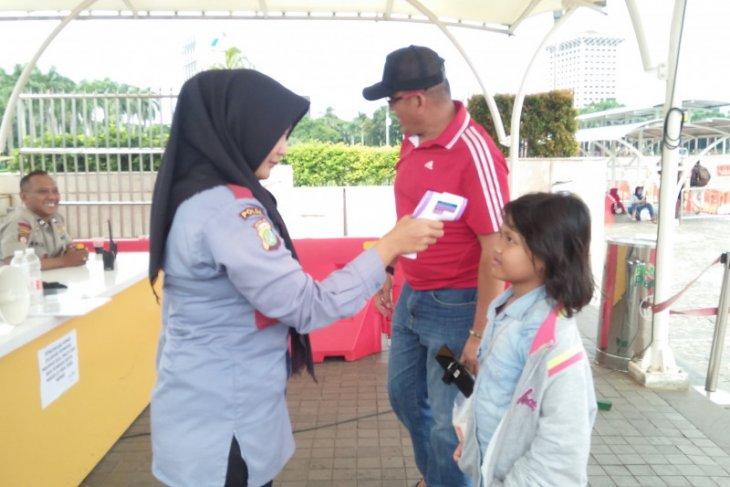 Monas Jakarta tetap ramai dikunjungi meski sedang siaga Corona