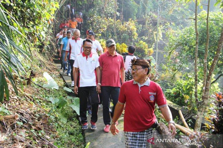 Warga Badung lakukan penghijauan untuk konservasi sumber mata air di Mengwi