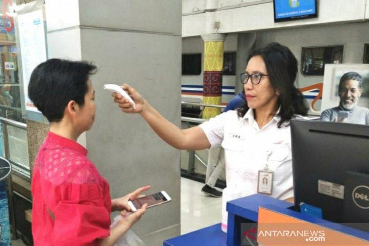 KAI Sumut siagakan petugas periksa kesehatan calon penumpang