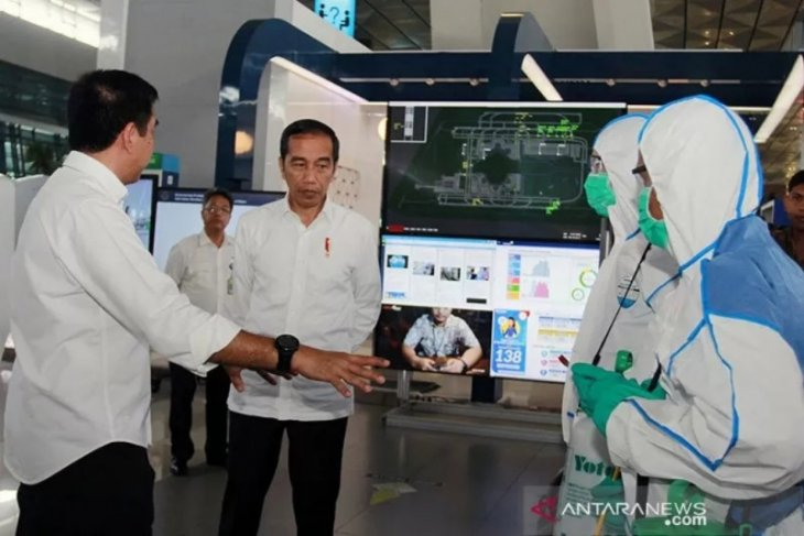 Jokowi and his ministers undergo COVID-19 tests on Sunday