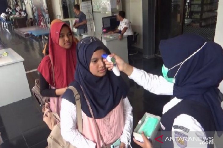 PT Kereta Api Indonesia Madiun  larang calon penumpang diduga COVID-19 naik kereta