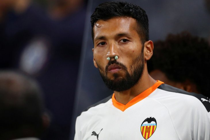 Valencia konfirmasi lima orang positif corona termasuk Ezequiel Garay