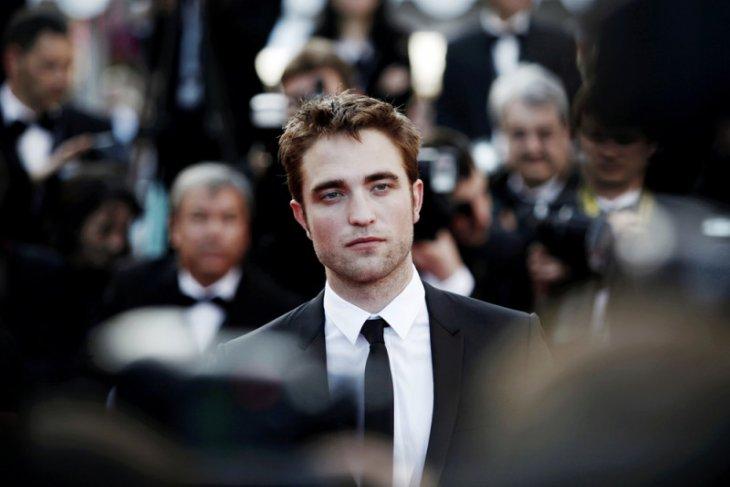 Ringkasan berita selebritis, Robert Pattinson positif COVID-19 hingga 35 tahun Mario Bros