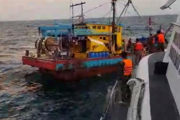 Malaysian-flagged fishing boat detained in Malacca Strait
