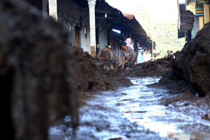 Dampak banjir bandang di Bondowoso