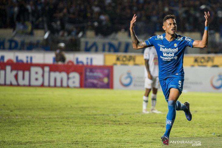 Penyerang Persib Wander Luiz konfirmasi positif tertular virus corona