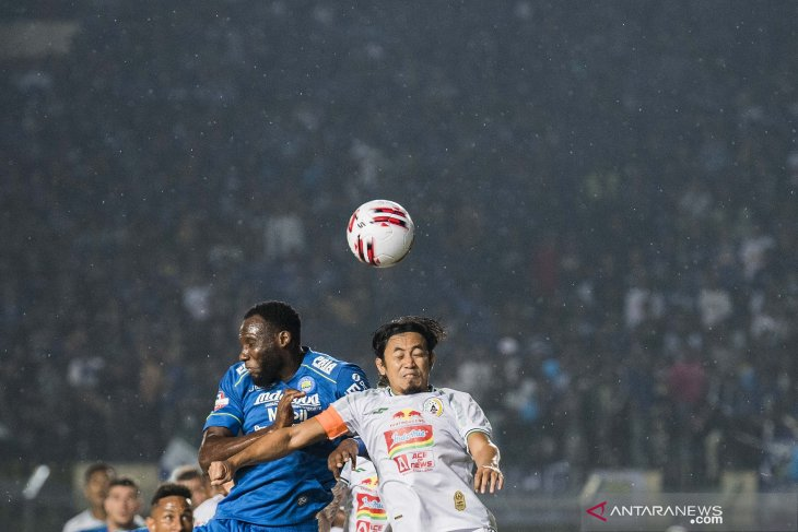 Persib nyaman di puncak, Bali United gulung Madura