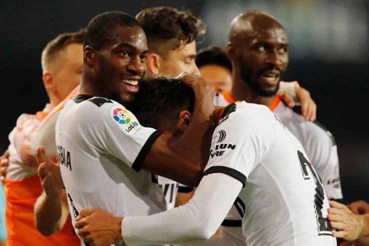 Satu lagi pemain Valencia Eliaquim Mangala positif corona