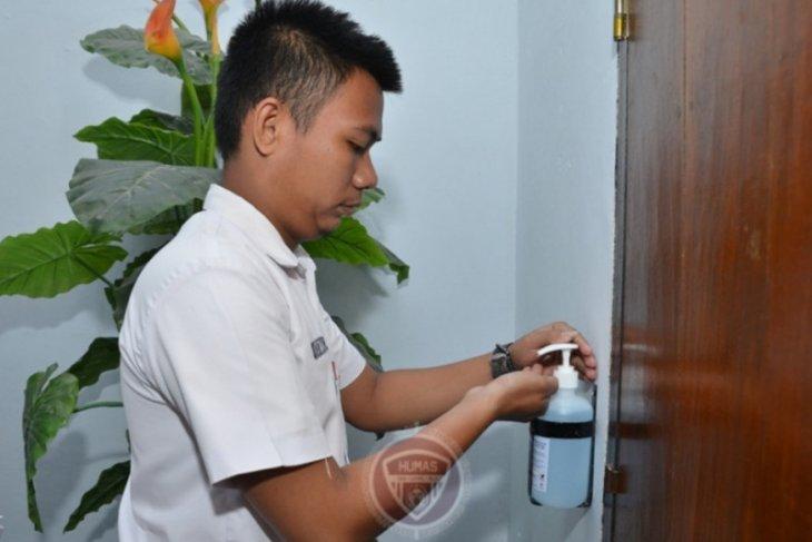 Siswa diwajibkan cuci tangan sebelum UNBK