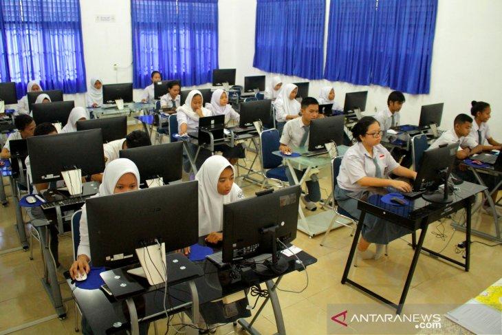 UNBK ditunda, siswa surati Gubernur Jawa Barat