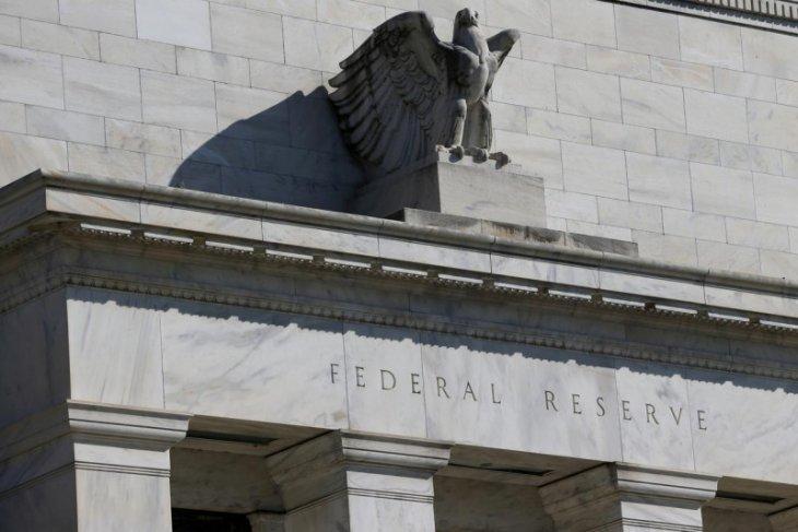 Dolar jatuh setelah Fed luncurkan langkah-langkah agresif dukung pasar di tengah krisi COVID-19