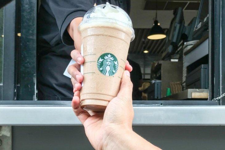 Polisi amankan dua mantan pegawai Starbucks yang intip bagian sensitif pengunjung