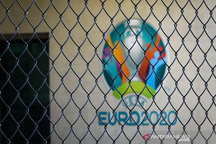 UEFA tetap pakai nama Euro 2020 walau ditunda setahun