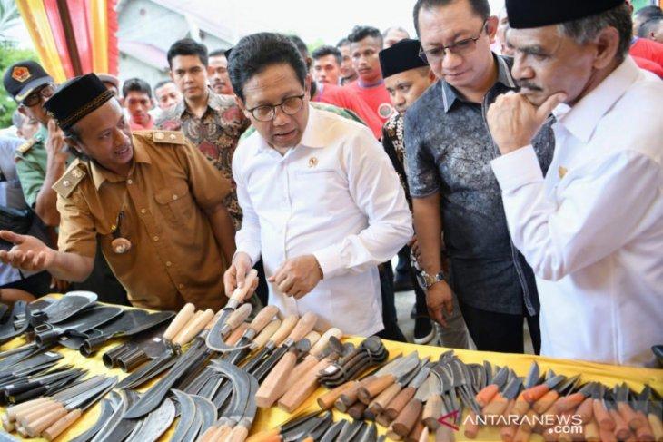 Mendes PDTT sebut Presiden gelisah cangkul masih diimpor