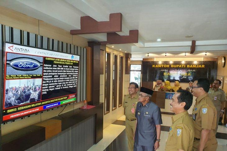 Pemkab Banjar pasang tiga display informasi di area publik