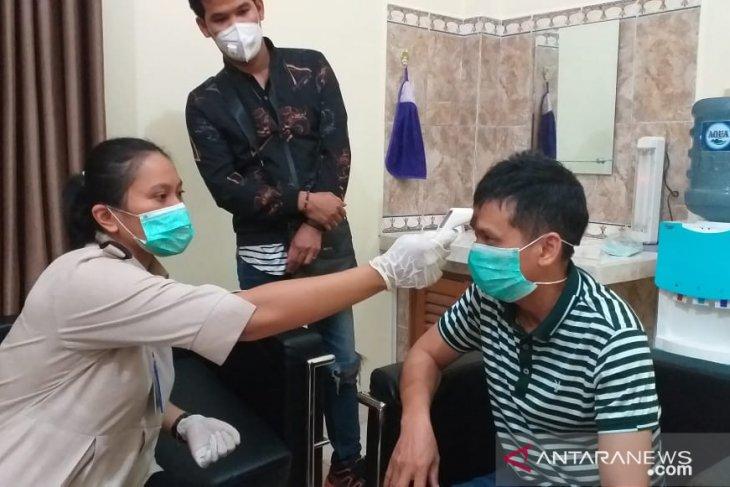 KKP Tanjung Pandan periksa kesehatan tenaga kerja asing antisipasi COVID-19