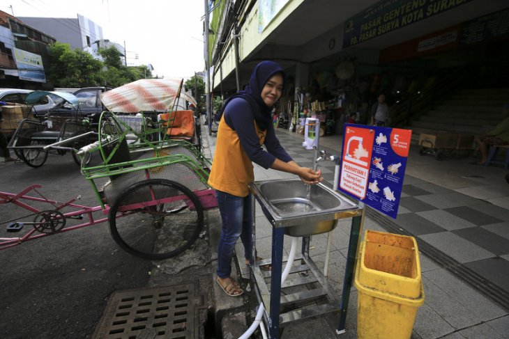 140 portable sinks installed in Surabaya to tackle COVID-19 outbreak
