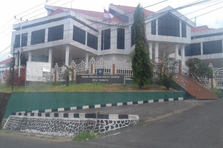 DPRD ingatkan Pemkot Ternate siapkan dana darurat tangani Corona