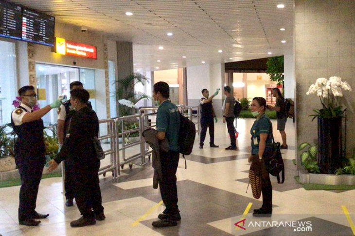 PT Angkasa Pura II applies social distancing for aircraft passengers