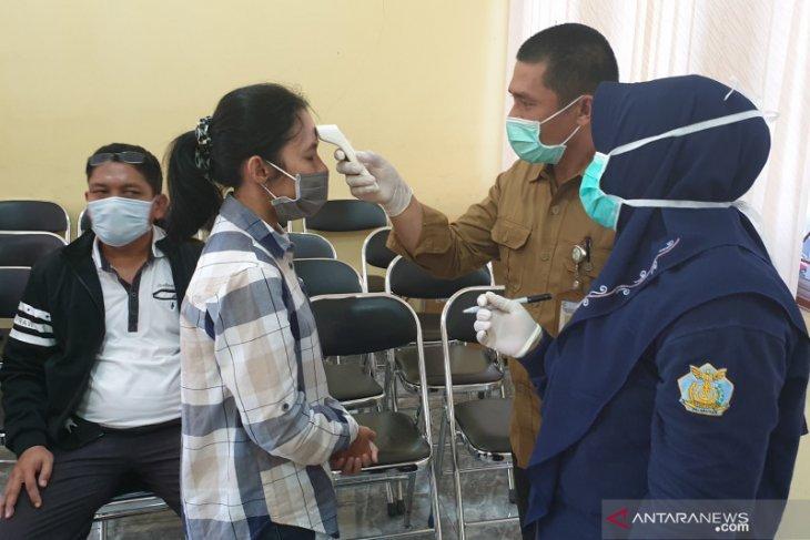 Dinkes Bangka Barat pantau pejabat pulang dinas luar daerah